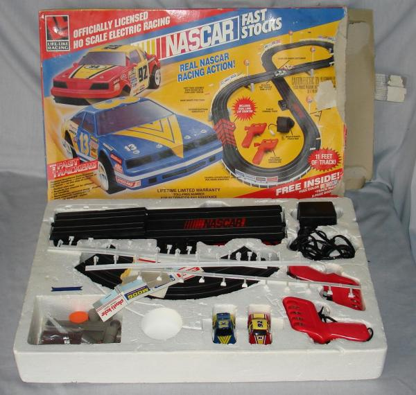 Life Like Nascar Slot Car Race Track Set - Year of Clean Water