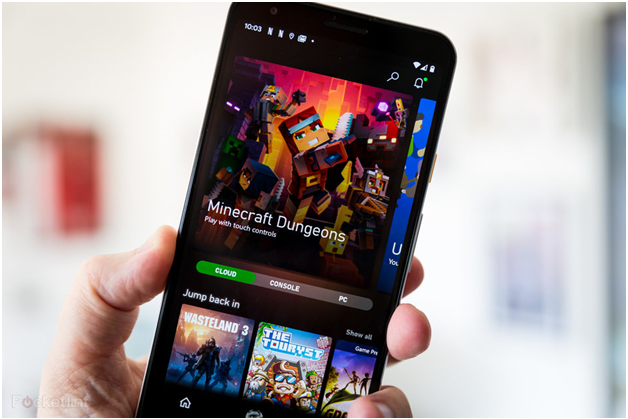 What is Xbox Cloud Gaming Service on an iPhone