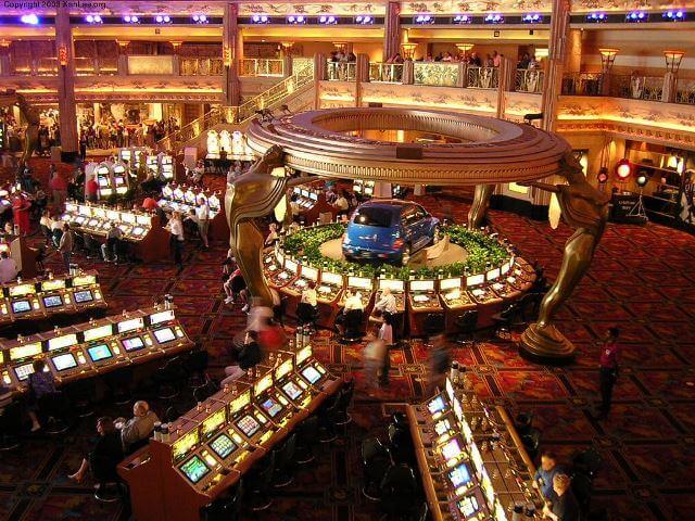 Best casino in the world online online casino dealer