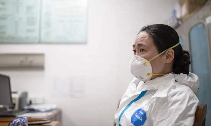Zdravnico, ki je prva želela razkriti koronavirus so obtožili, da želi »škodovati stabilnosti«