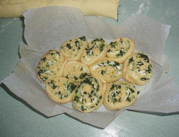 spinach-ricotta-scrolls