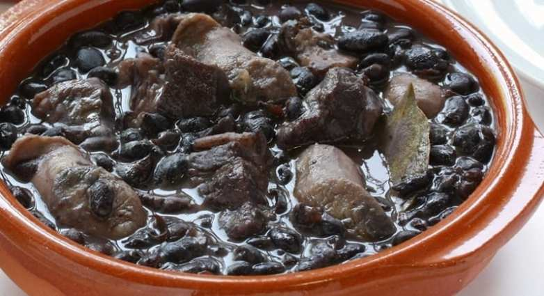 crock pot sausage stew with black beans