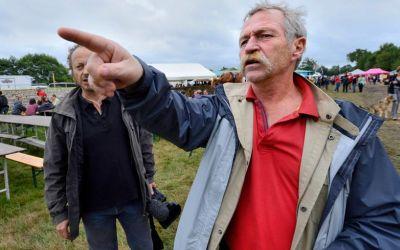 """Des paysans contre la """"malbouffe"""""""