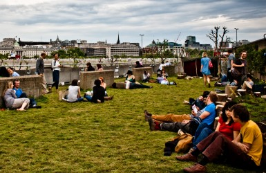 A rooftop garden on the Southbank, London Photo © Garry Knight
