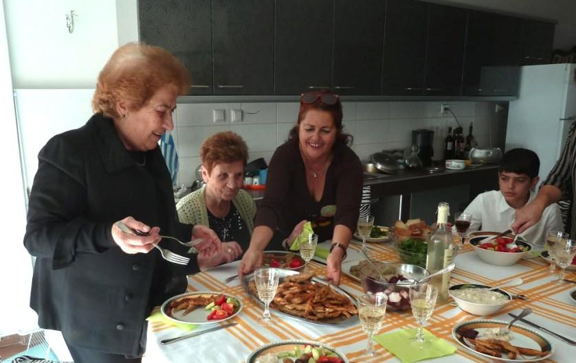Sophia serves dinner Kavalla, foto Y Rancken-Lutz