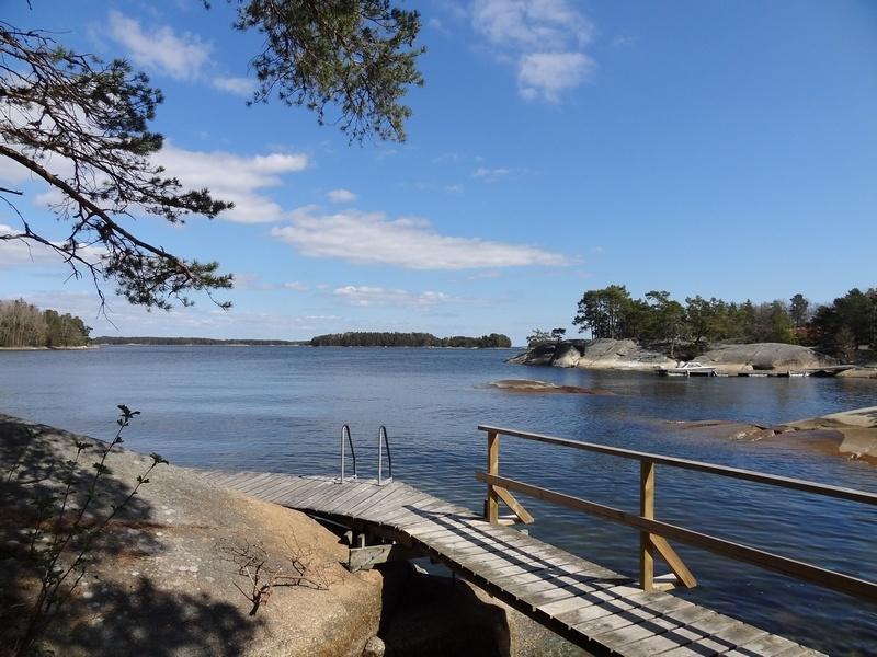 stockholm-voyage-famille-Finnhamn-ponton