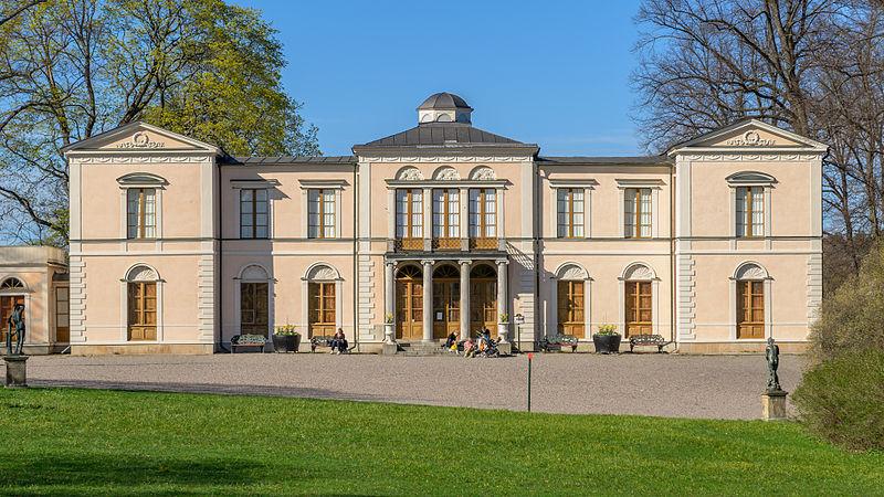 Photo of Rosendals Palace courtesy of Arild Vågen / Wikimedia