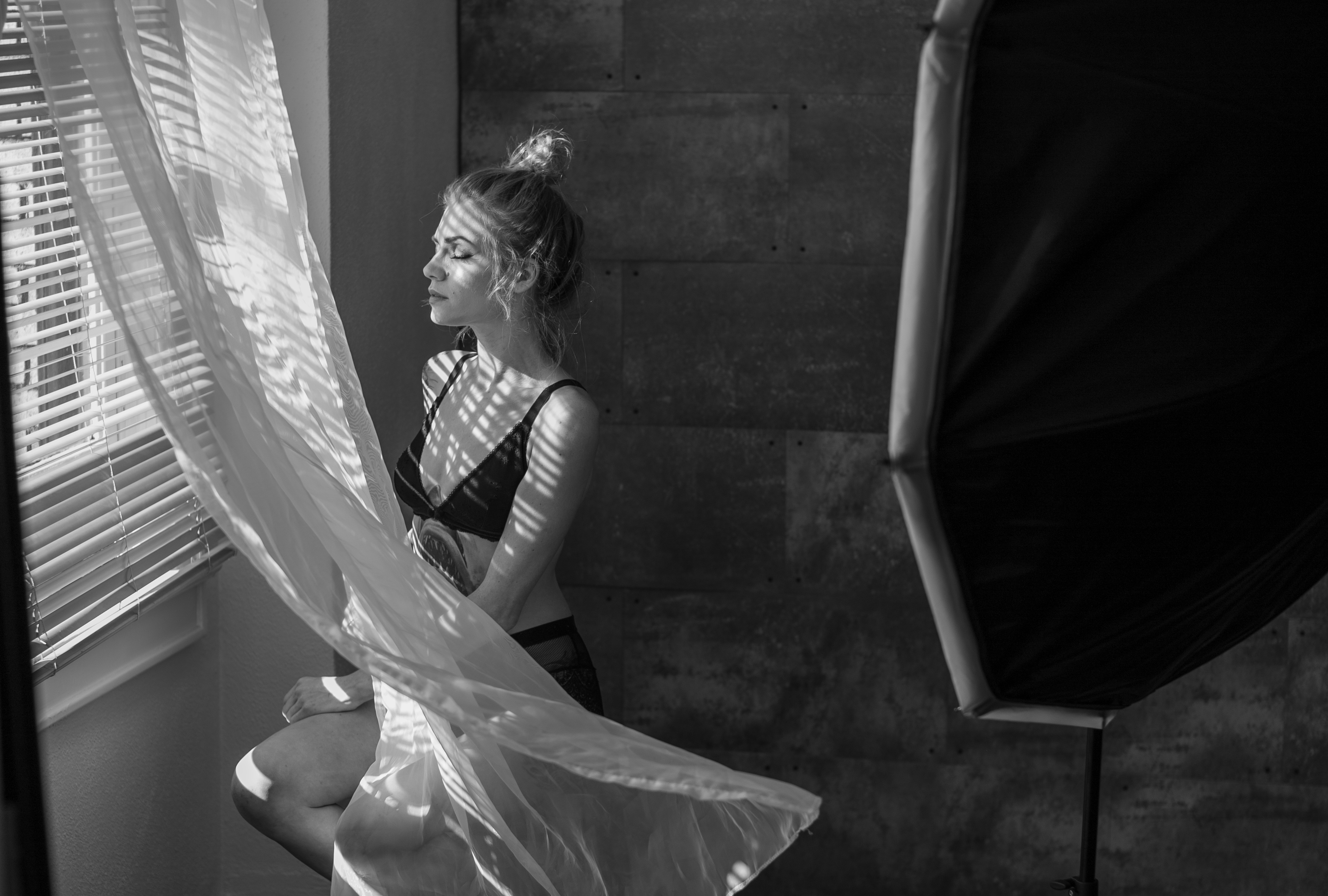 Shaping Images Blending Natural And Artificial Light