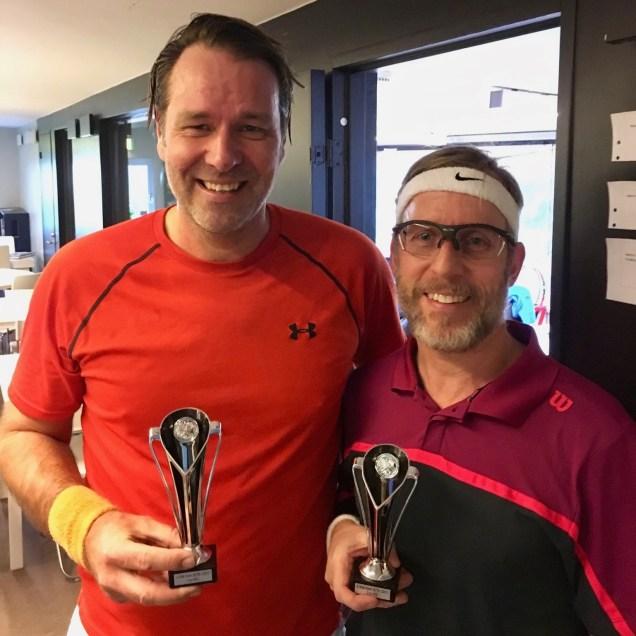 HSC mästare blev Rickardh Gärdström t.v. som finalbesegrade David Holm i en tresetare.