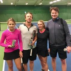 Mästare i Mixed blev Elsa och Anders Brenner t.v. som finalbesegrade Johanna Idman/Björn Hårderup.