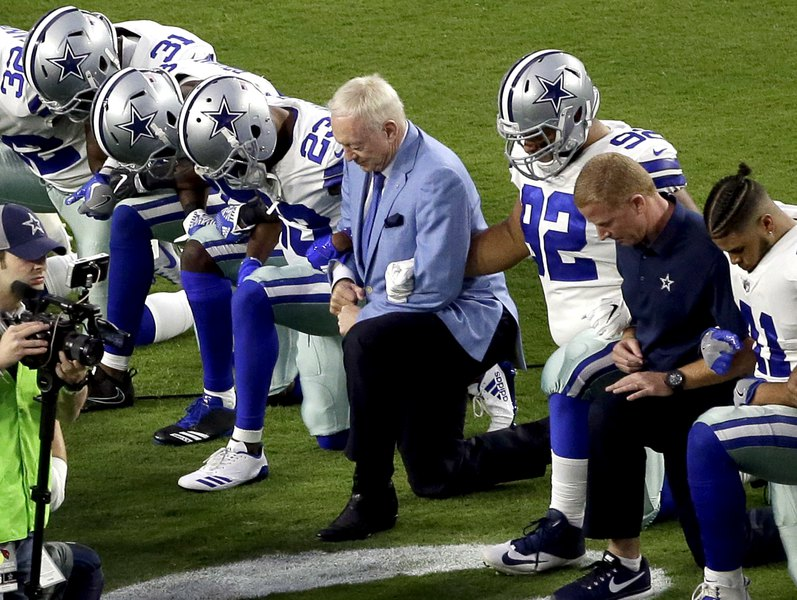 cowboys football helmet chair portable cloth high pattern jerry jones must stand at attention for anthem even took a knee before game last season