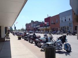 Memorial Day weekend in Utica, Illinois