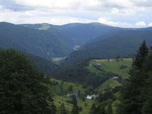 Blick vom Schauinsland auf den Gipfel des Feldbergs