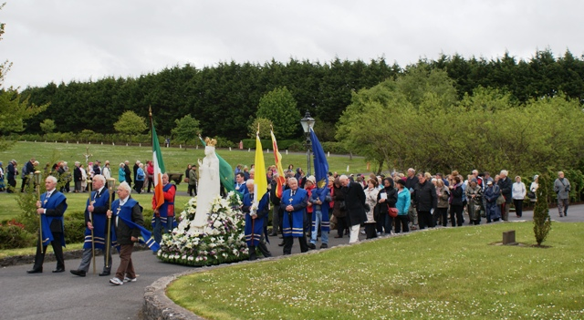 SMA Knock procession