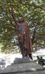 Copper Chief Seattle Statue in Tillikum Place