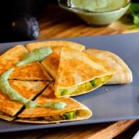 Samosadilla - Samosa-tortilla med grønn urte chutney