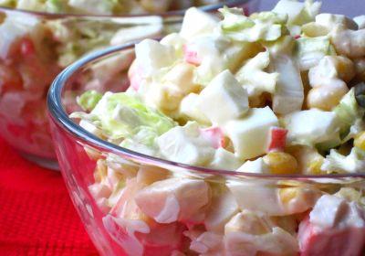 Салат із пекінською капустою та крабовими паличками