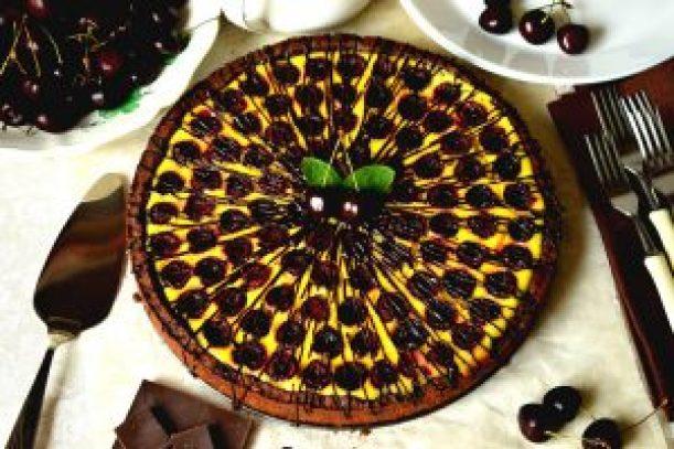 Пиріг із чорними черешнями