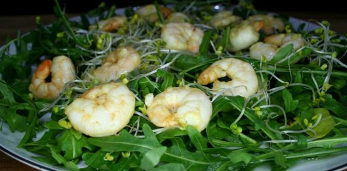krewetki na sałacie