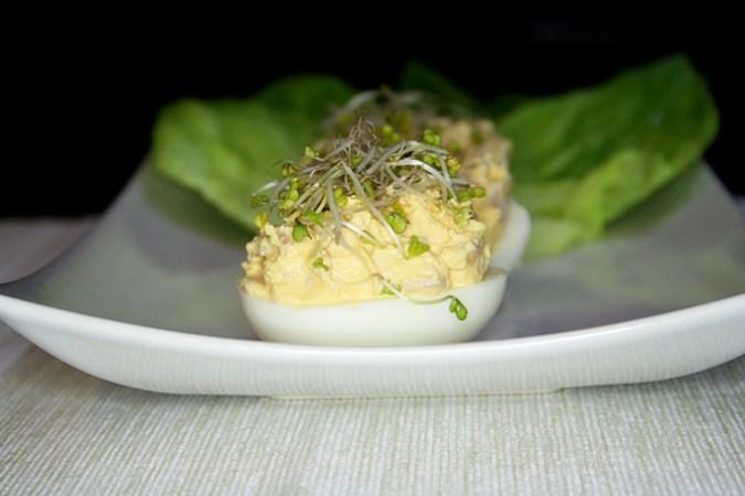 jaja faszerowane kiełkami