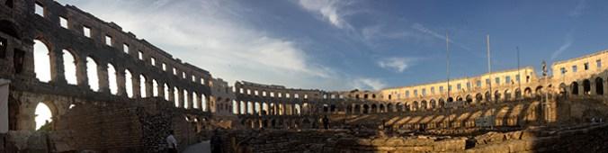 amfiteatr 2