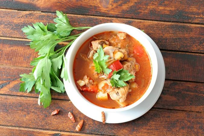 ostra-zupa-gulaszowa