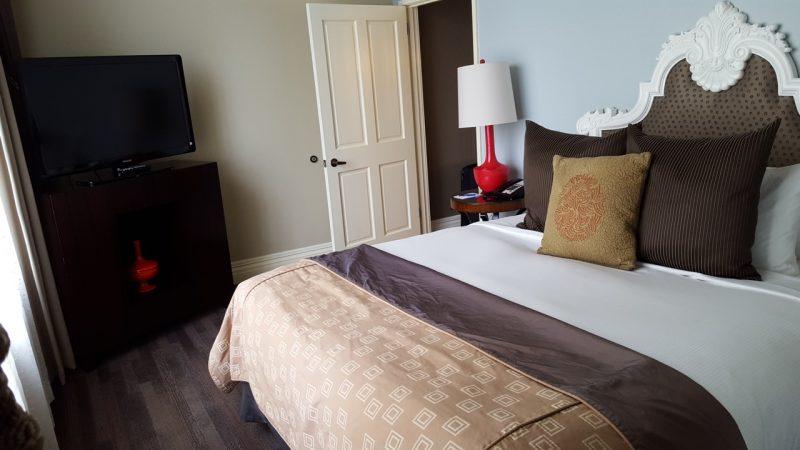 kimpton-alexis-seattle-bedroom