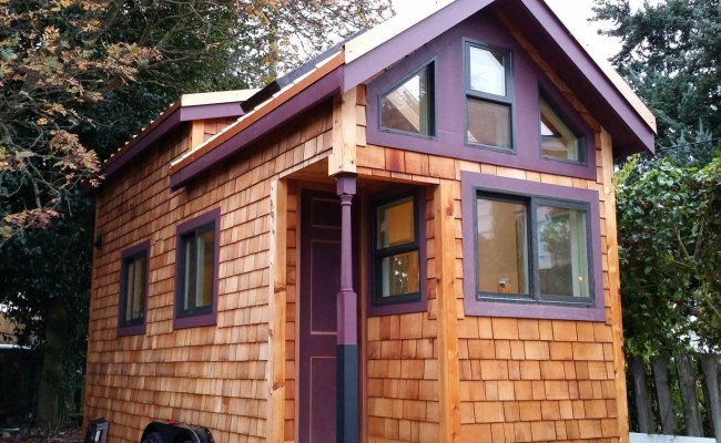 Stay In Hannah S Tiny House In Seattle Small Is Beautiful