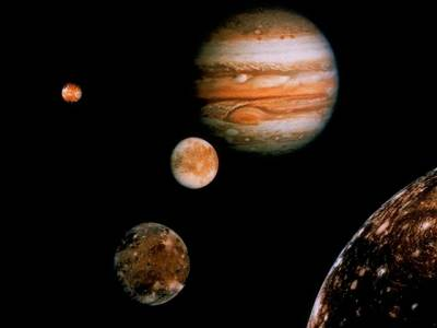 https://i0.wp.com/www.smalldonesimple.com/fiona/2009/Jupiter/jupiter-moons-1.jpg