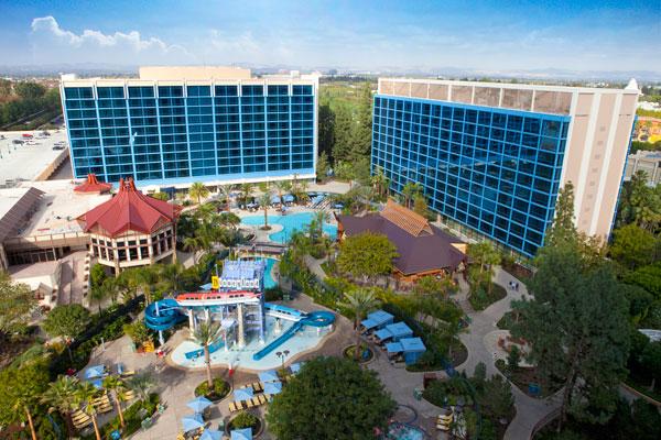Disneyland-Hotel-Pools