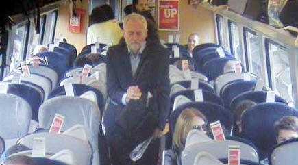 traingate-the-essential-minute-by-minute-timeline-of-corbyns-dramatic-day-136408162649010401-160823210101