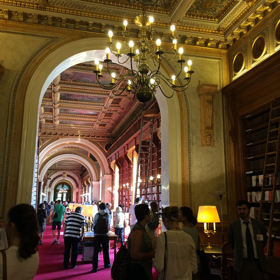(above) This wing containing the Senate Library was added by Alphonse de Gisors in 1835.
