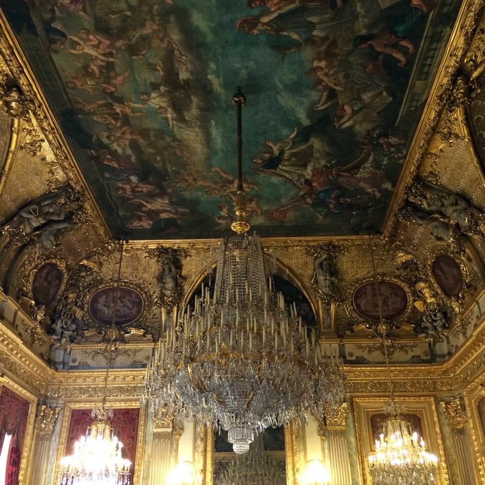 (above) The ceiling of the Grand Salon.