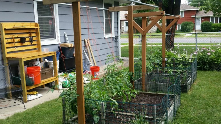 Square Foot Gardening, Garden, Urban Gardening, Seeds, Seedlings, Wicking Beds, Raised Beds, Trellis, Vertical Gardening, Rain Gutter Grow Systems, Soils, Compost, Grow What You Eat, Homestead, How to Develop a 2018 Garden Plan