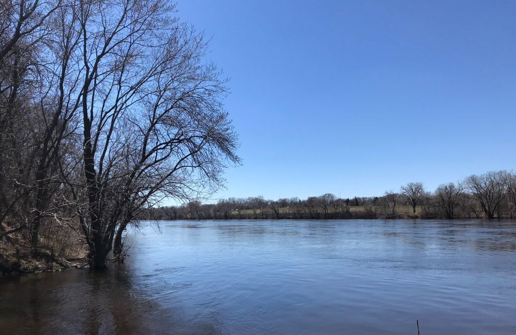 Easter, Mississippi River, News from Around the Bend
