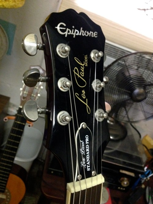 small resolution of epiphone les paul junior bolt neck electric guitar this could use some detailed cleaning but