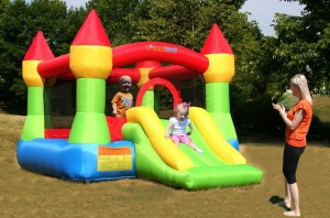 durable bouncy castles for home use