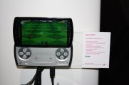 Sony Ericsson Xperia Play (7) [600 breit]