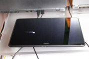 Acer-Iconia-A700-1-550x366