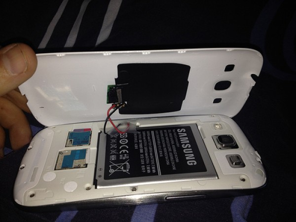Galaxy_s3_wireless_charging