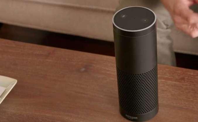 amazon echo: persönlicher assistent und soundanlage für das wohnzimmer, Wohnzimmer