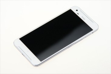 HTC-One-X9-001