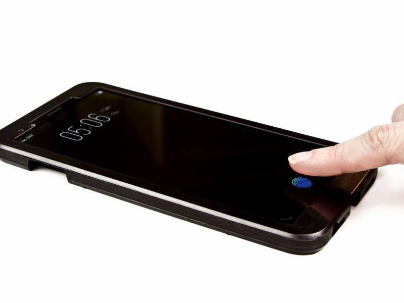 Synaptics Fingerabdrucksensor unter dem Display