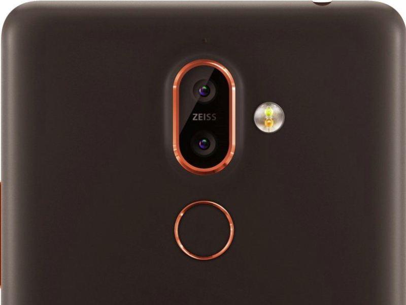 Nokia 7+