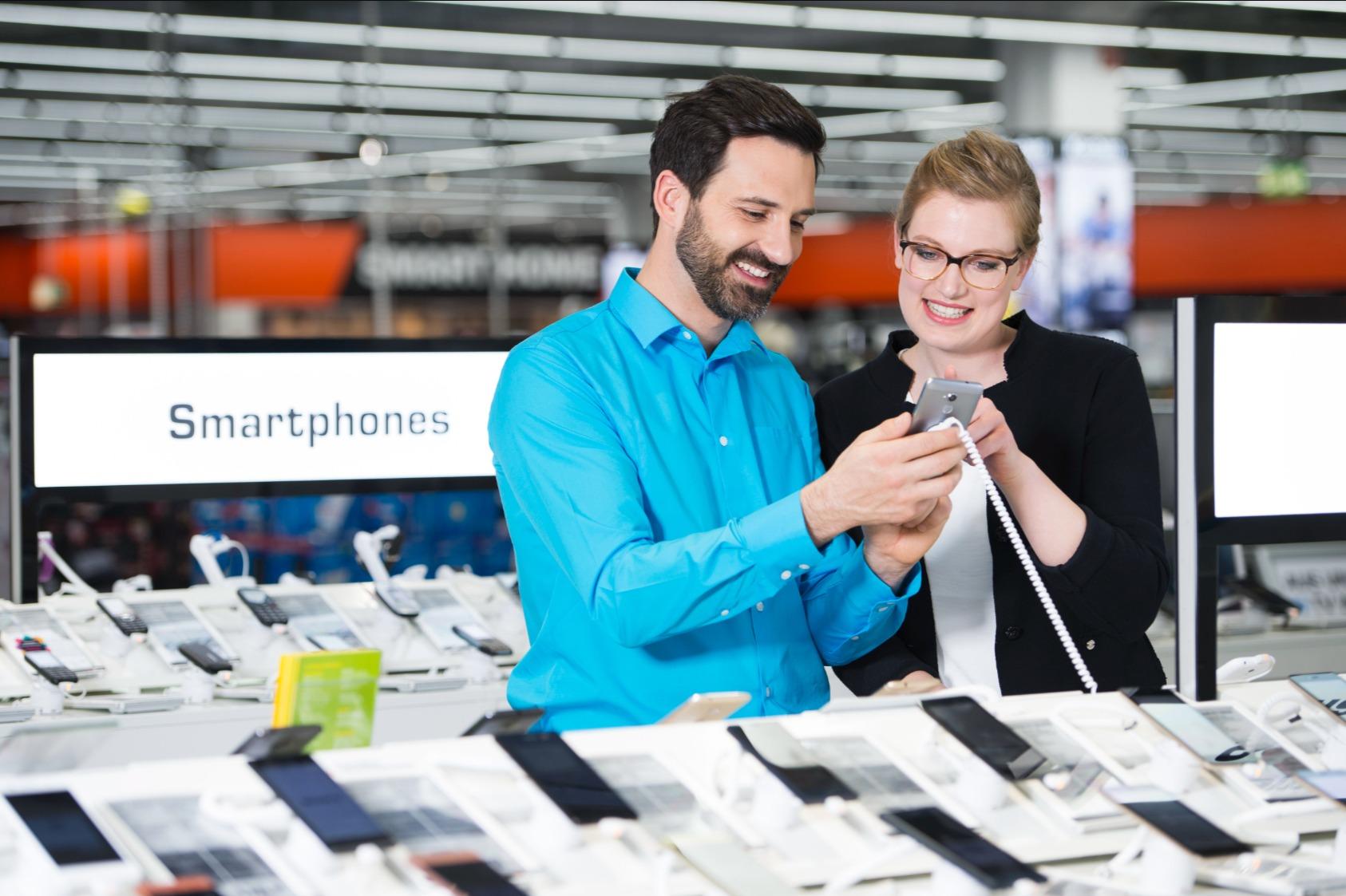 Saturn reduziert Smartphones: Huawei, Motorola und Co. schon ab 79€