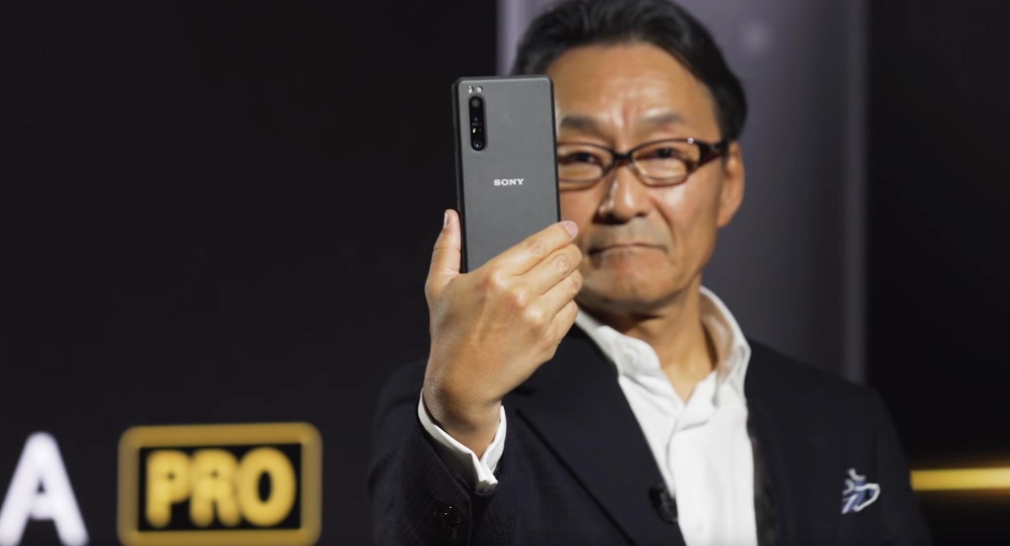 Ohne-Gold-und-Diamanten-W-rdest-du-2-500-Dollar-f-r-das-neuste-Xperia-Smartphone-zahlen-
