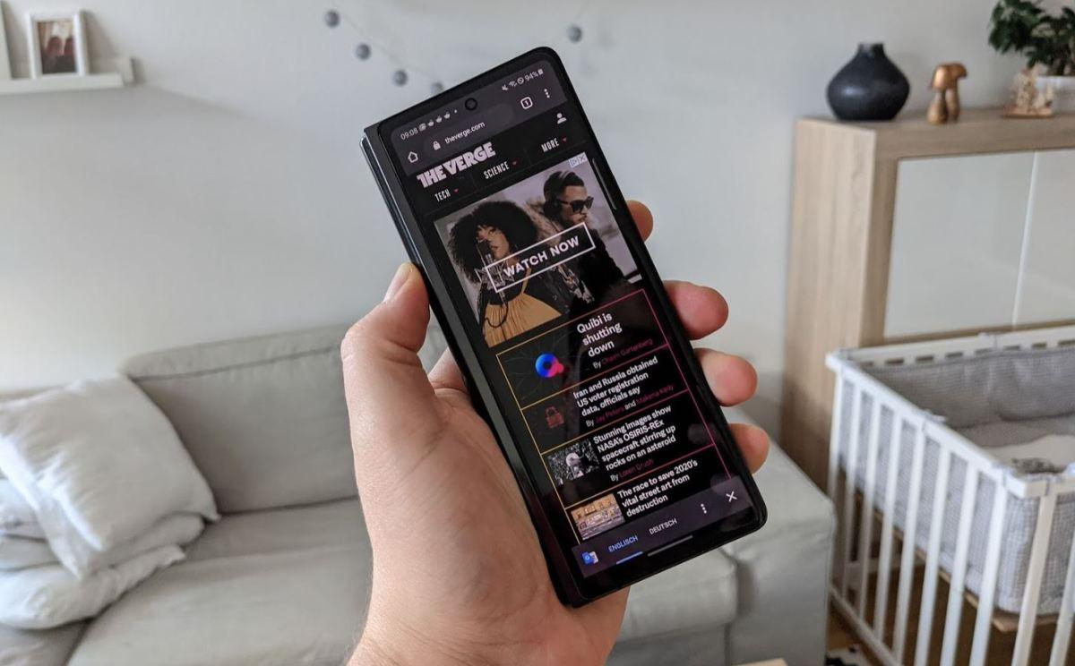Samsung Galaxy Fold 2 Front