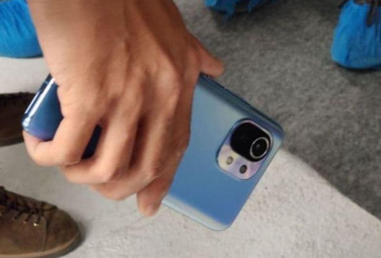 Xiaomi Mi 11 Leak Blau 2