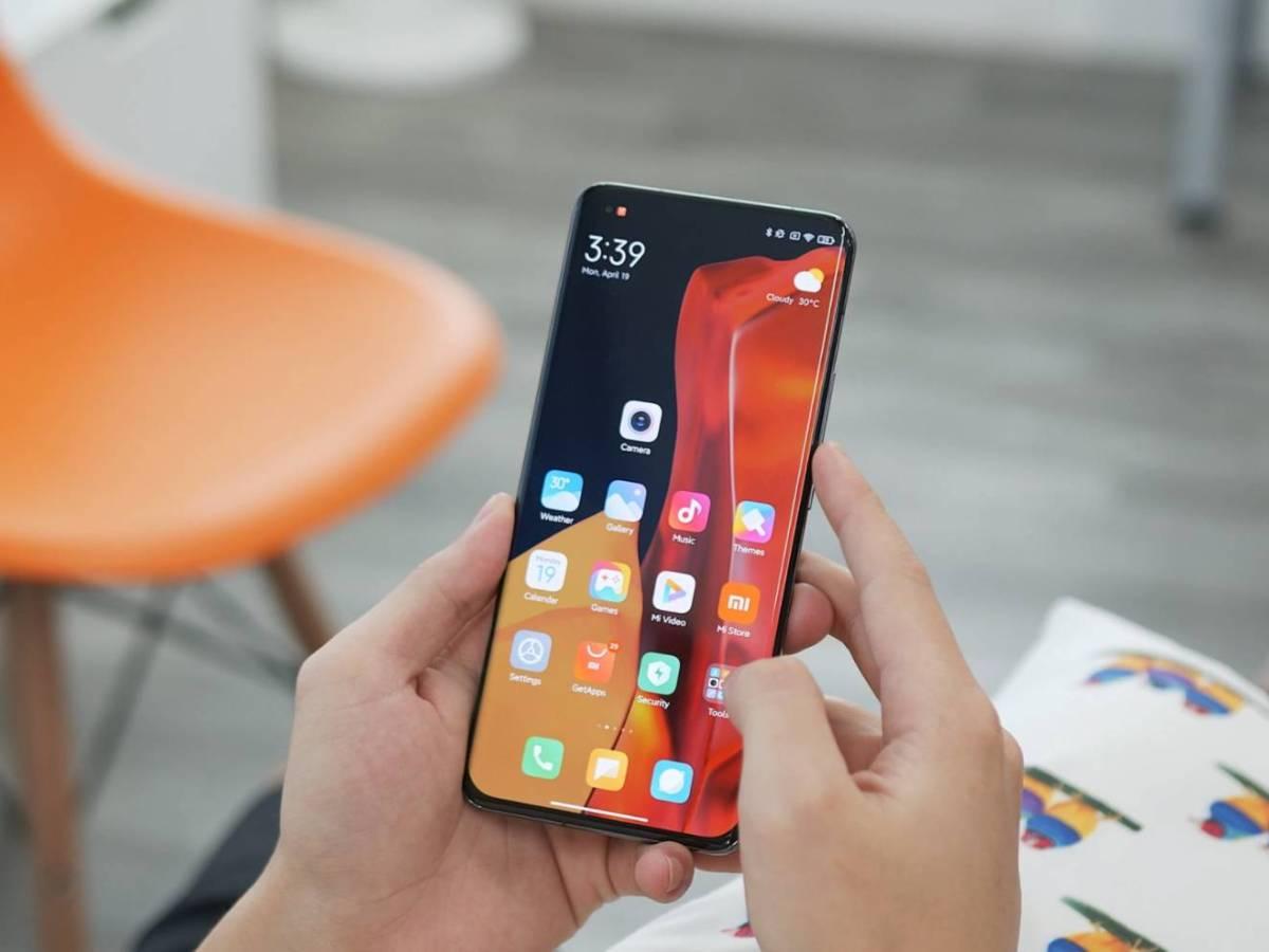 Xiaomi Mi 11 Ultra Smartphone Head