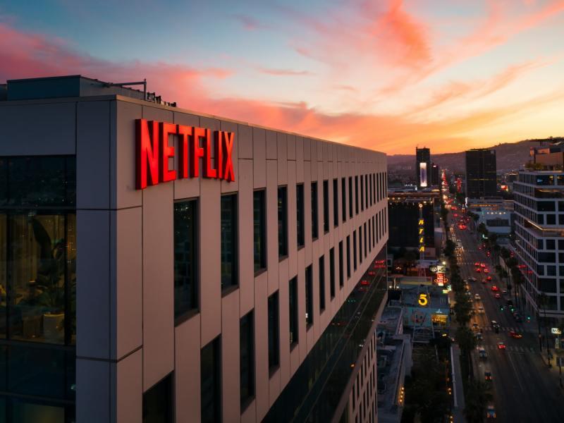 Netflix Building Cameron Venti Li7dla5vbp8 Unsplash Head